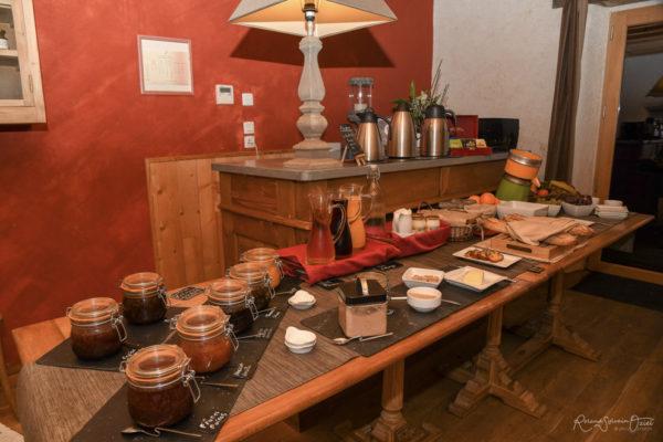 Petit déjeuner du Manoir du Pas Jahan